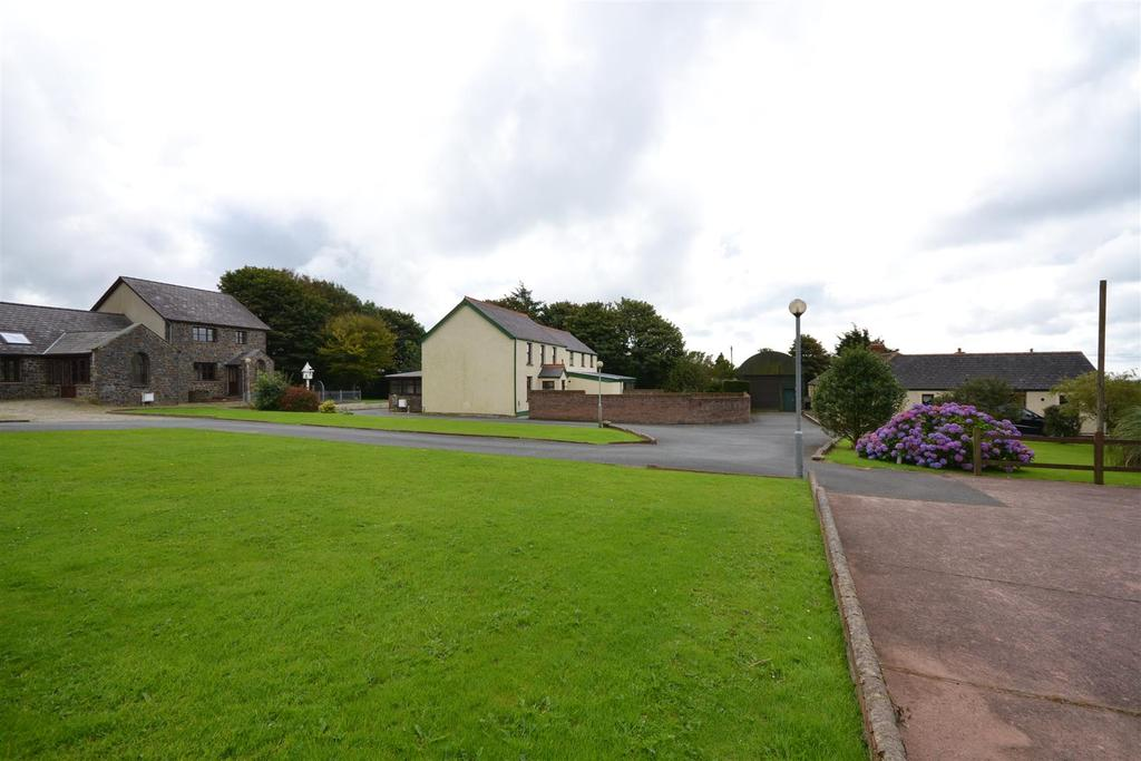 12 Bedrooms Land Commercial for sale in Tufton, Haverfordwest