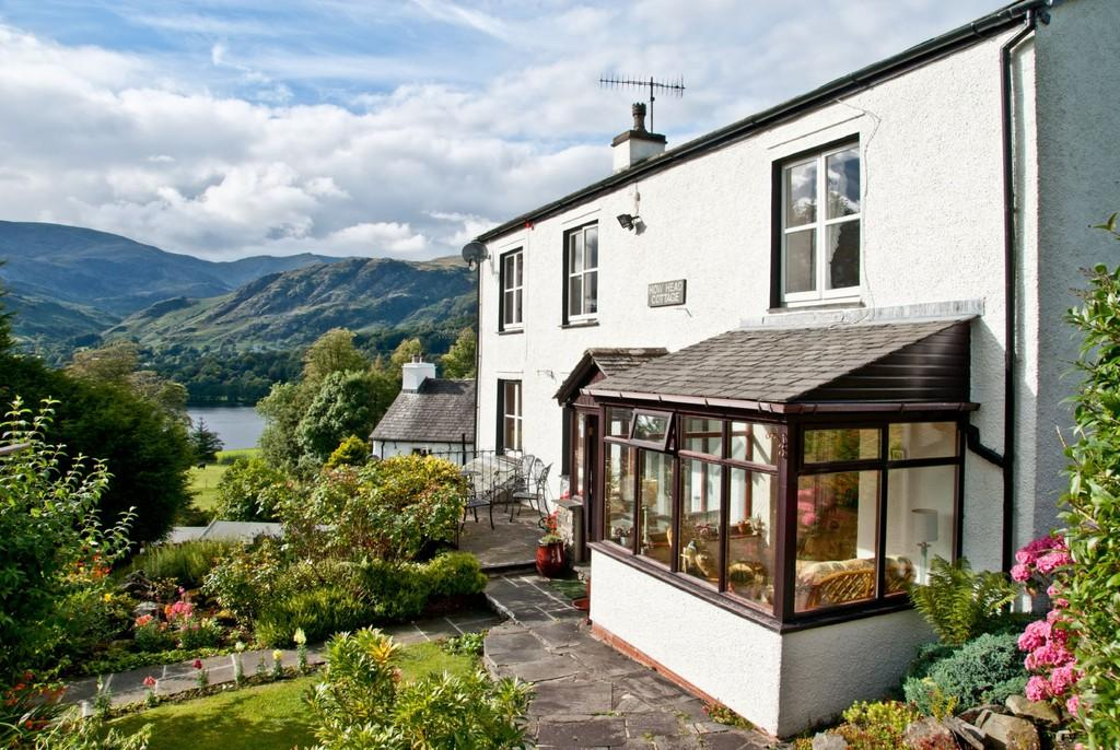 4 Bedrooms Detached House for sale in How Head Cottage, East of Lake, Coniston, Cumbria LA21 8AA