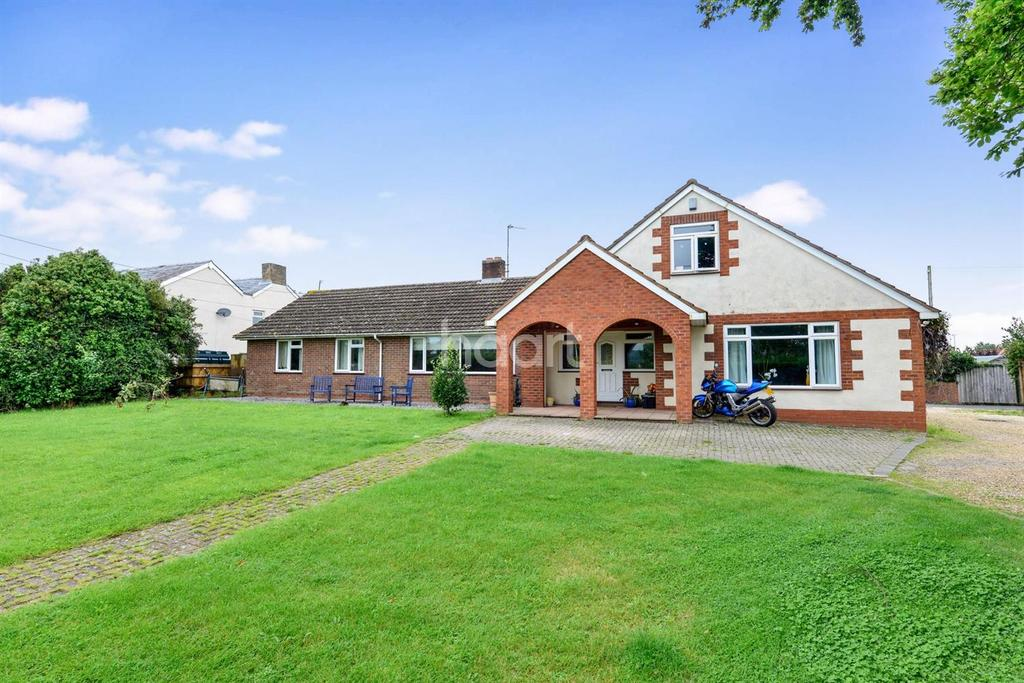 5 Bedrooms Bungalow for sale in Henlade, Taunton