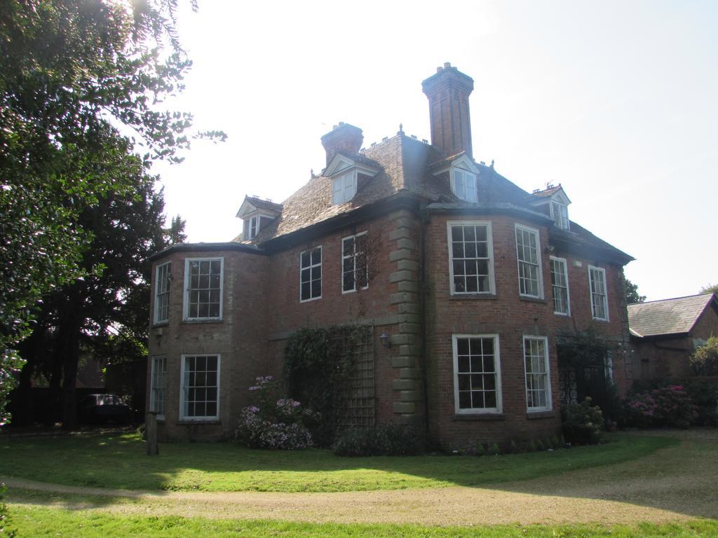 6 Bedrooms Semi Detached House for sale in CHURCH STREET, WELLESBOURNE CV35