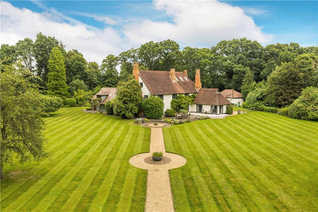 6 Bedrooms Detached House for sale in Berry Lane, Worplesdon, Guildford, Surrey, GU3