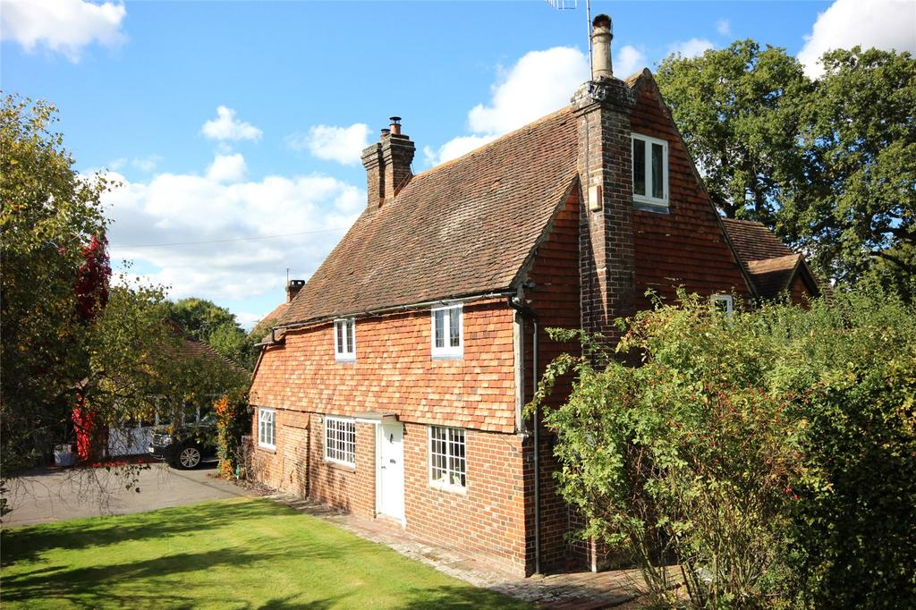 4 Bedrooms Detached House for sale in Tonbridge Road, Bough Beech, Kent