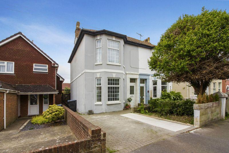 3 Bedrooms Semi Detached House for sale in Penhill Road, Lancing