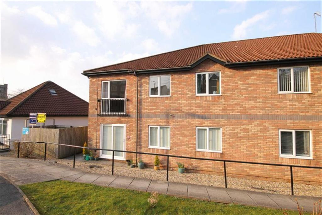 2 Bedrooms Flat for sale in Bronrhiw Fach, Caerphilly, CF83