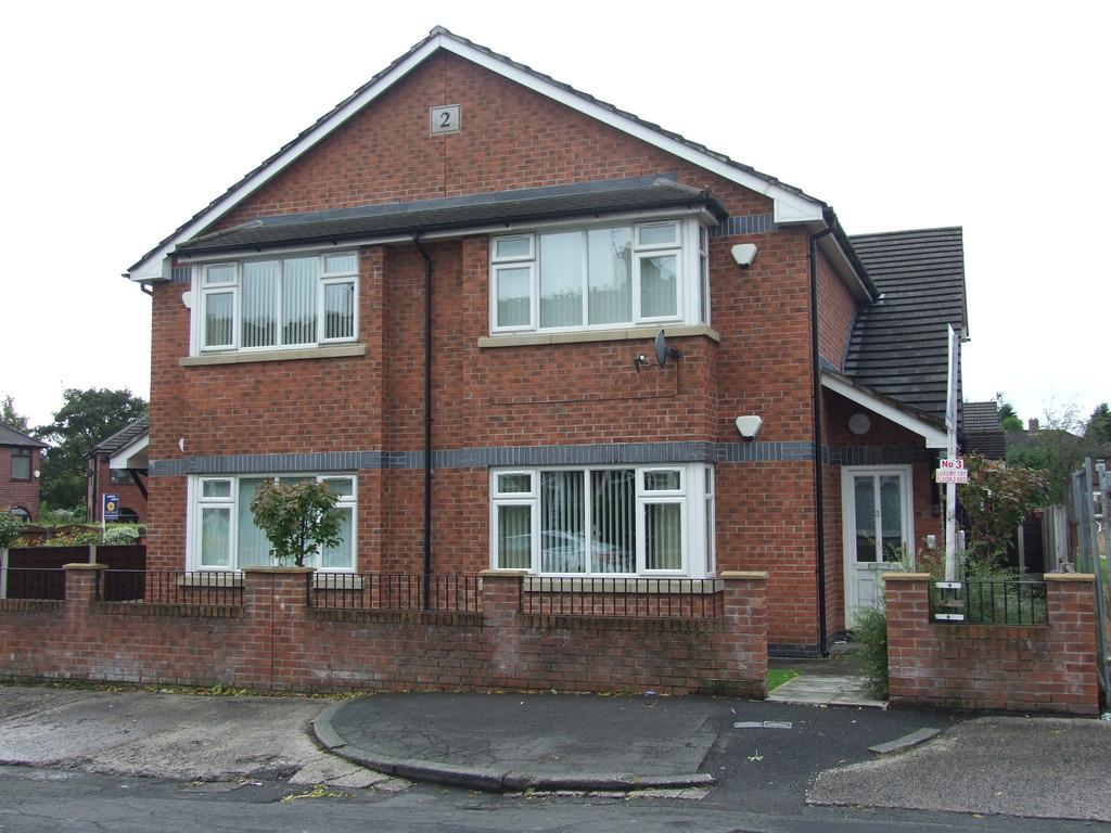 2 Bedrooms Apartment Flat for sale in New Moston, Oldham M40