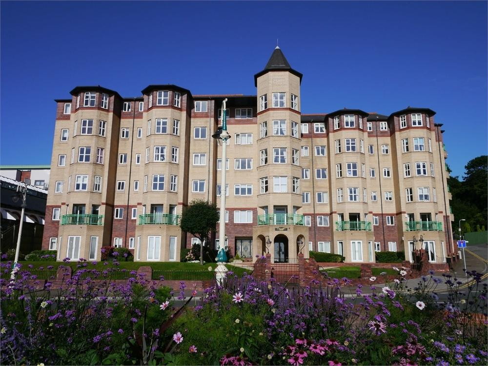 2 Bedrooms Flat for sale in The Esplanade, Penarth