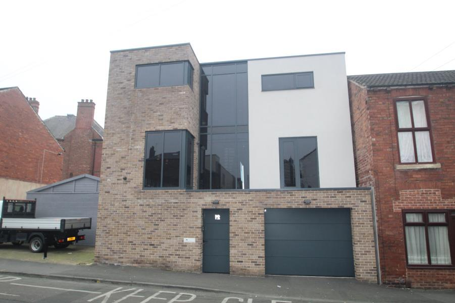 2 Bedrooms Detached House for sale in VICARAGE STREET, WAKEFIELD, WF1 1QX