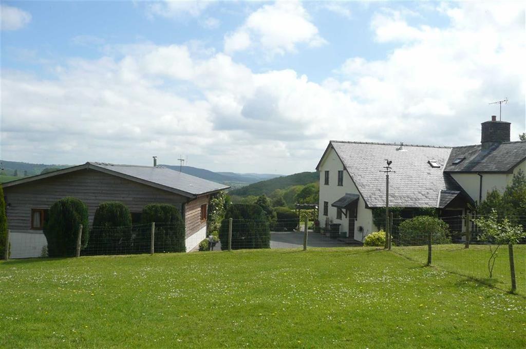 4 Bedrooms Detached House for sale in Slough Road, PRESTEIGNE, Presteigne, Powys
