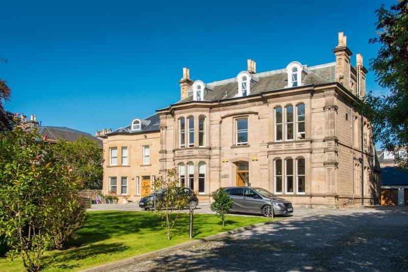 2 Bedrooms Apartment Flat for sale in Colinton Road, Edinburgh, Midlothian
