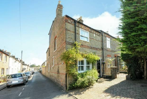2 Bedrooms House for sale in Oak Lane, Windsor