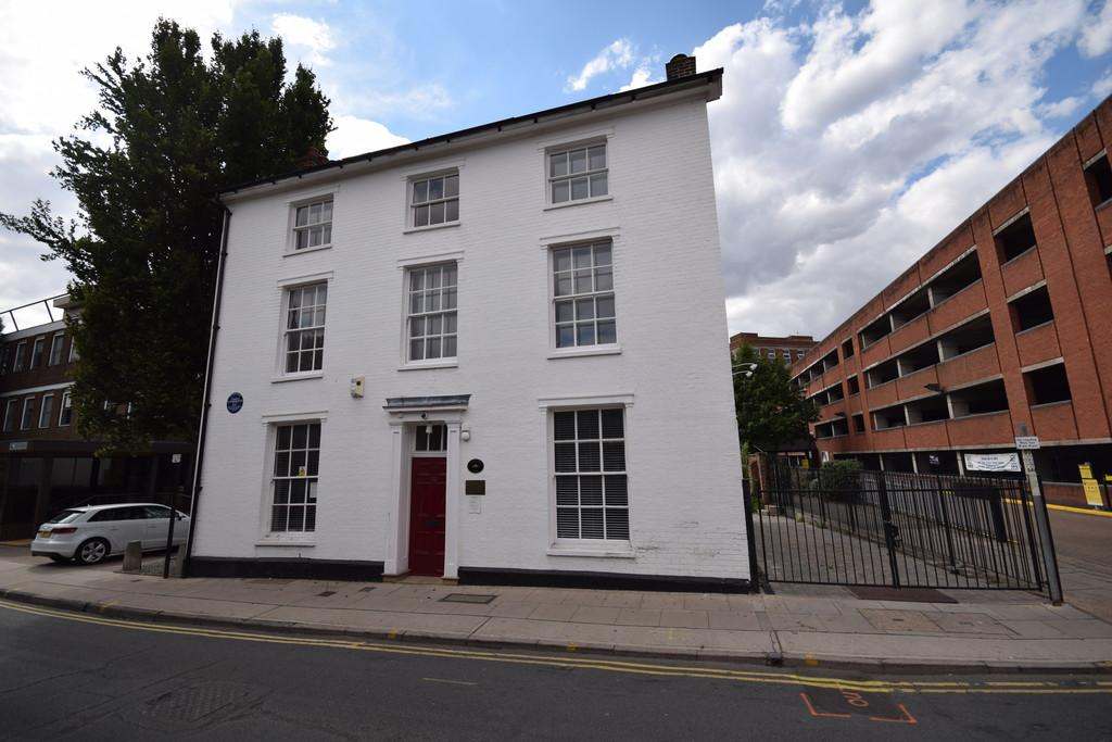 3 Bedrooms Apartment Flat for rent in Foundation Street, Ipswich