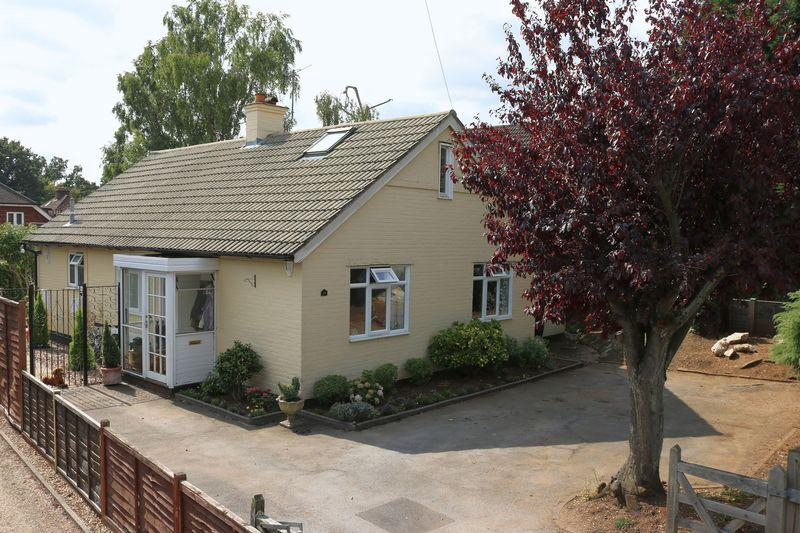 4 Bedrooms Detached Bungalow for sale in Milford