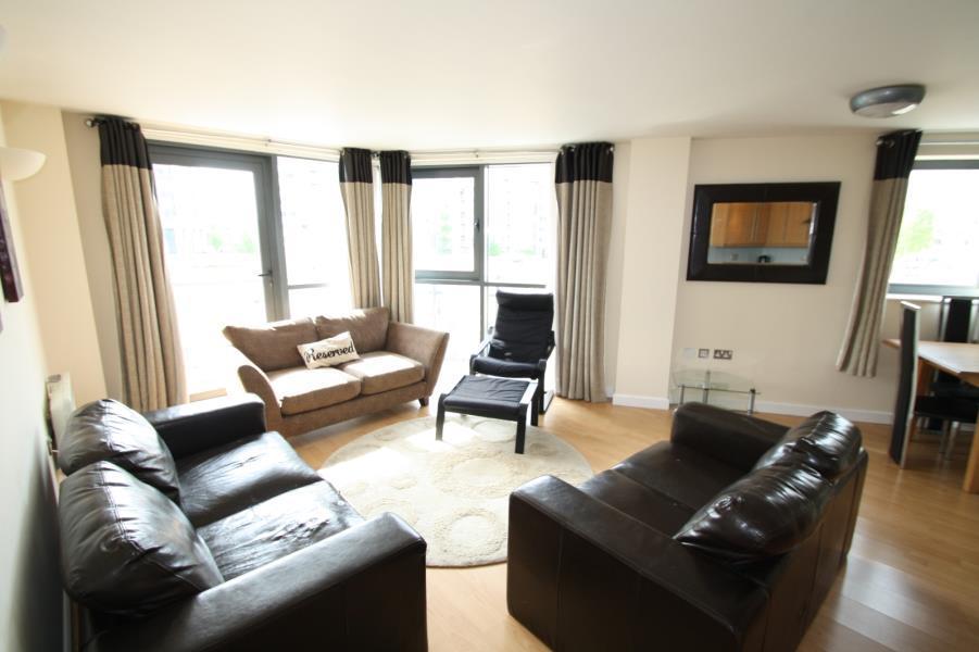 2 Bedrooms Apartment Flat for sale in VELOCITY WEST, 5 CITY WALK, LEEDS, LS11 9BG