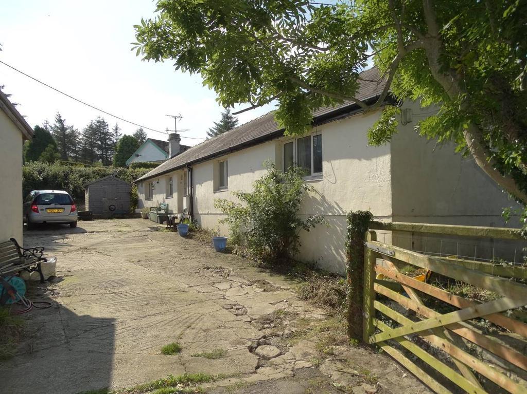 3 Bedrooms Detached House for sale in Gerddi Cottage, LLanelian, LL29 6BB