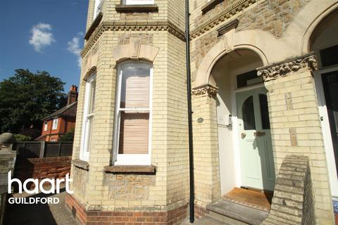 Studio to rent - Dene Road