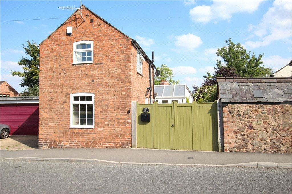 2 Bedrooms Detached House for sale in Court Road, Malvern, Worcestershire, WR14