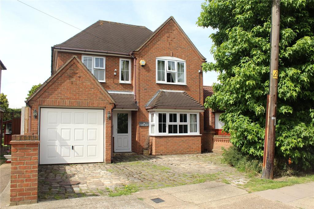 4 Bedrooms Detached House for sale in Farm Road, Rainham, RM13