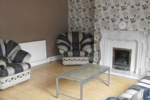 3 bedroom terraced house to rent - Beldon Road,  Gt Horton, BD7