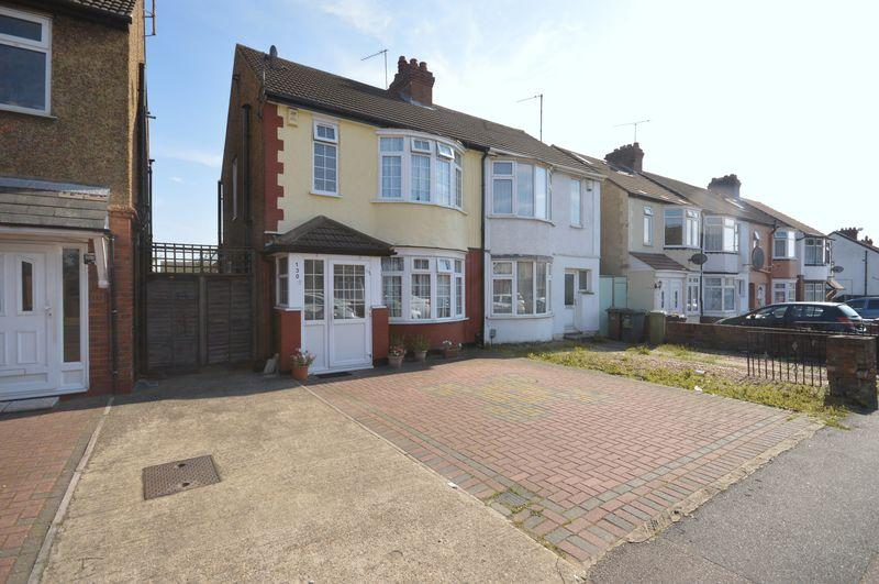 3 Bedrooms Semi Detached House for sale in Beechwood Road