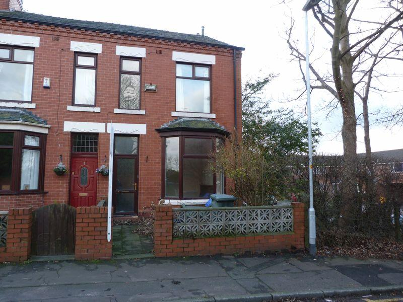 3 Bedrooms Terraced House for sale in Greenhill Road, Manchester