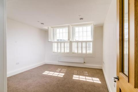 Studio to rent - The Coachworks, London Road