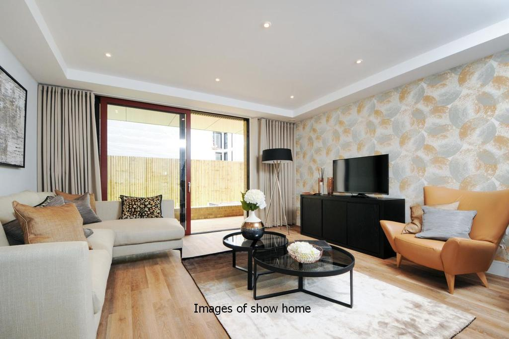 3 Bedrooms Flat for sale in Westfield Waterside, Knaresborough Drive, Earlsfield