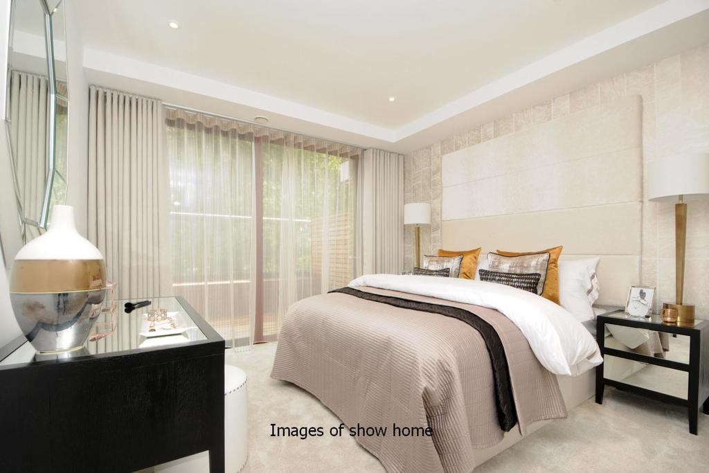 3 Bedrooms Flat for sale in Westfield Waterside, Knaresborough Drive, Earlsfield