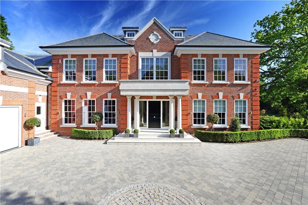 6 Bedrooms Detached House for sale in Montrose Gardens, Oxshott, Leatherhead, Surrey, KT22