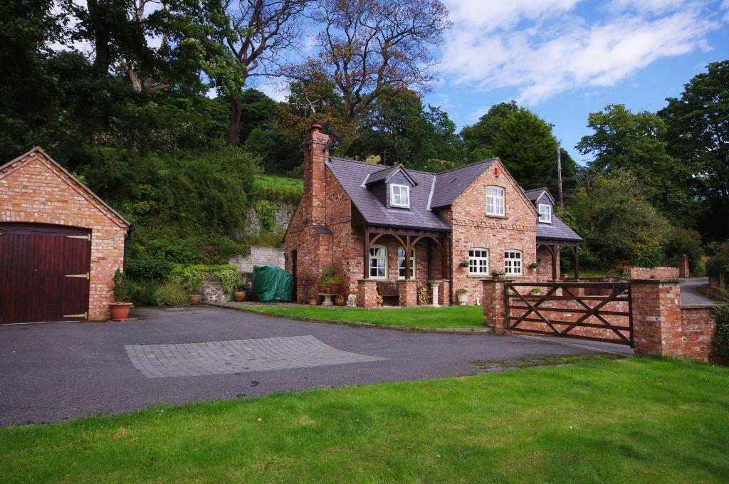 4 Bedrooms Detached House for sale in Cwm Road, Rhuallt