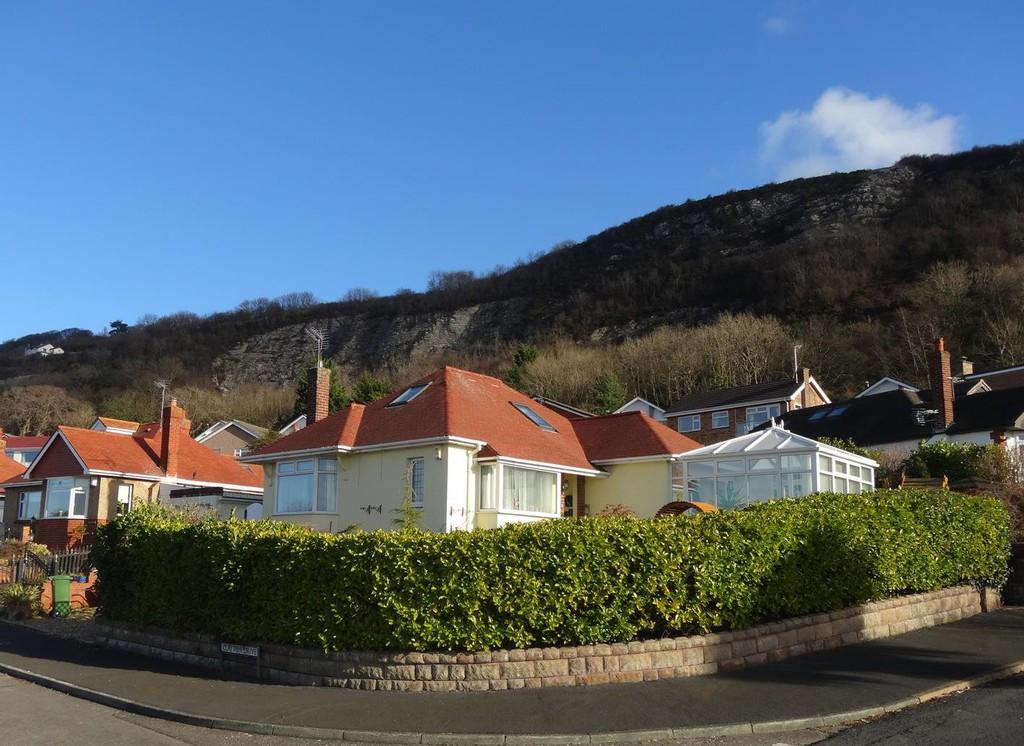 2 Bedrooms Detached Bungalow for sale in The Avenue, Prestatyn, LL19
