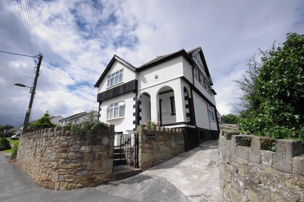 3 Bedrooms Detached House for sale in Rhewl Fawr Road, Penyffordd