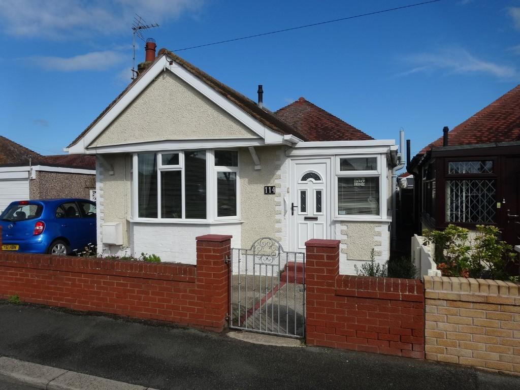 2 Bedrooms Detached Bungalow for sale in Rhyl Coast Road, Rhyl