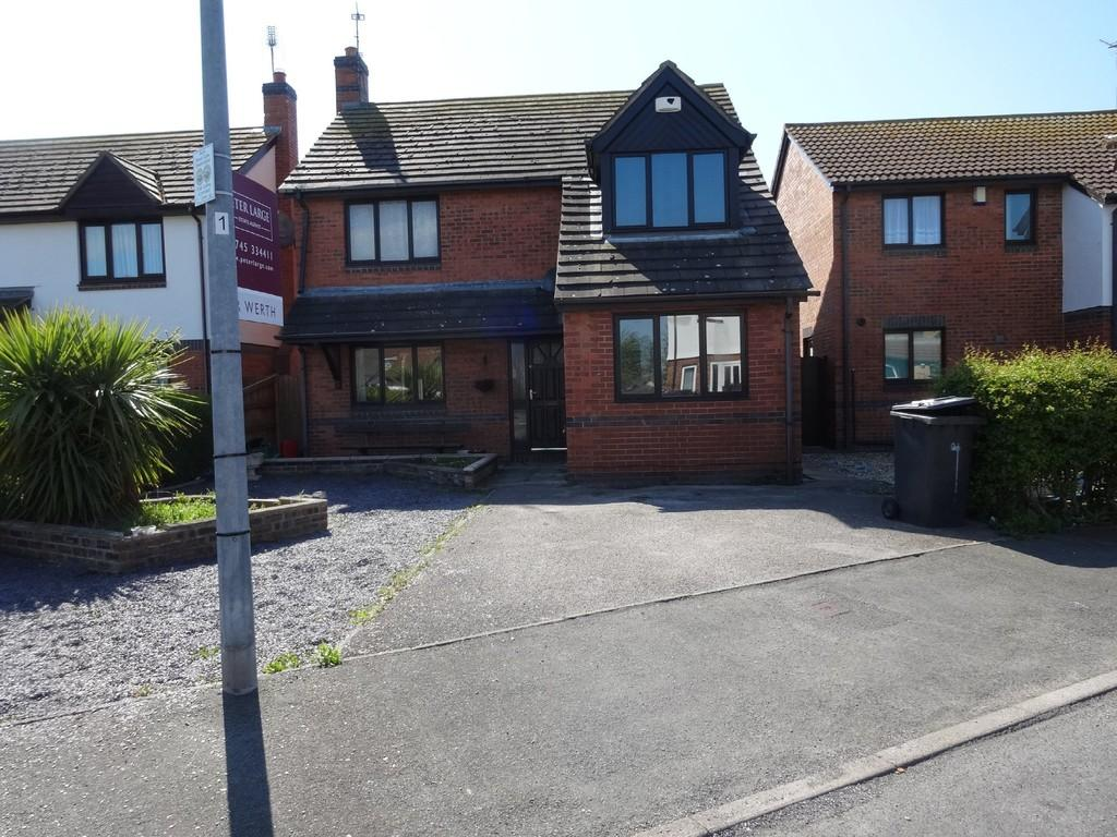 4 Bedrooms Detached House for sale in Llys Cregyn, Kinmel Bay