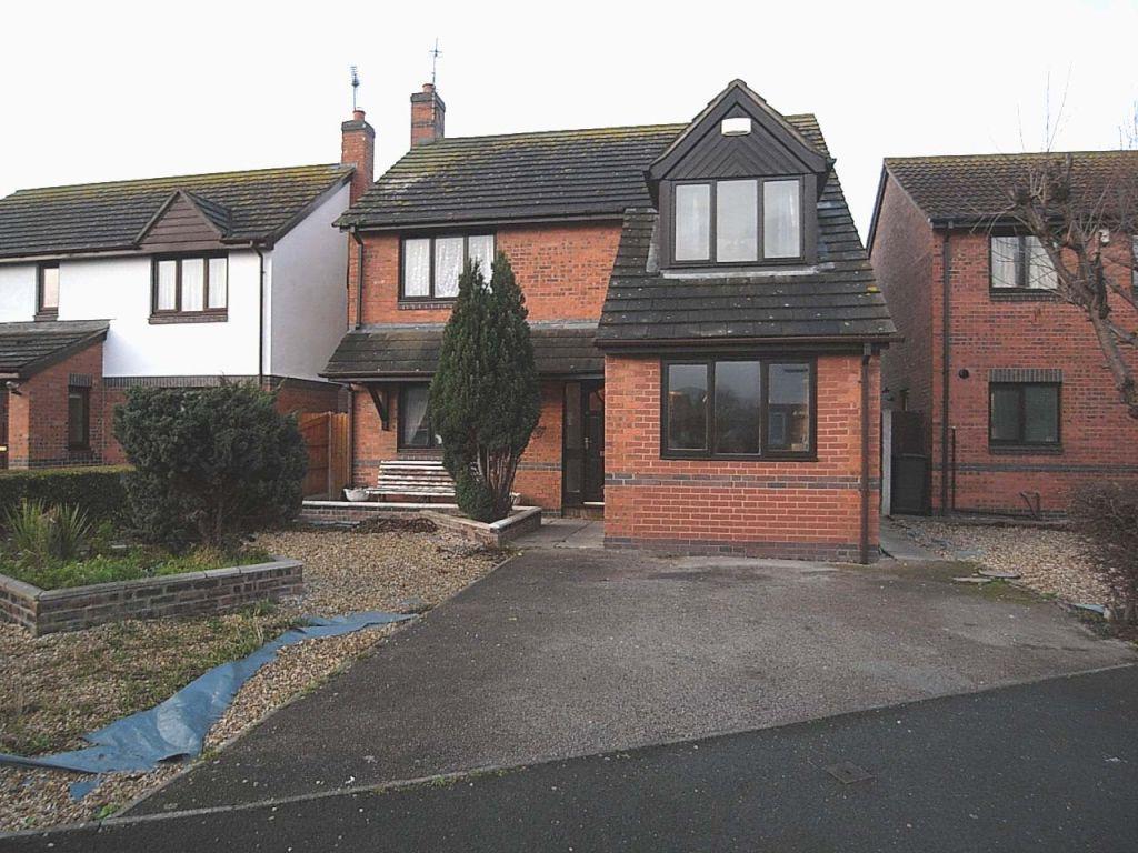 4 Bedrooms Detached House for sale in Llys Cregyn, Kinmel Bay