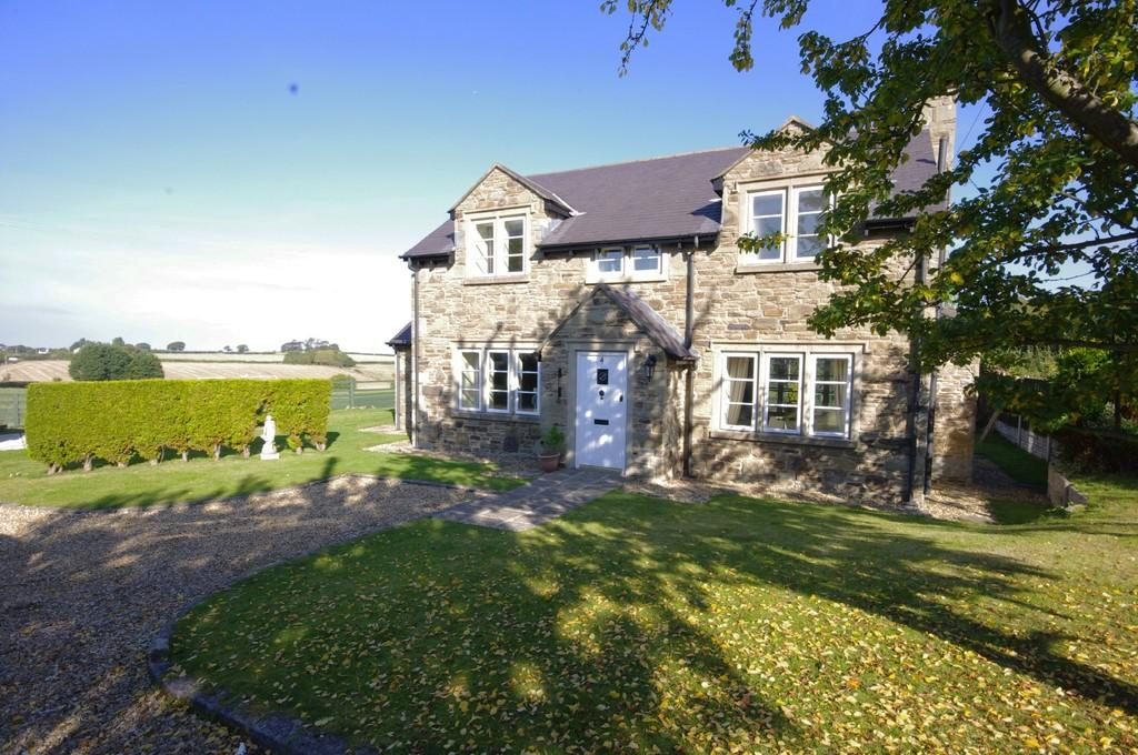 3 Bedrooms Cottage House for sale in Groes Cottages, Llanasa, CH8