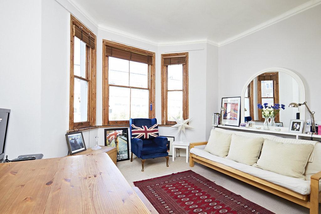 Studio Flat for sale in Sinclair Gardens, London, W14