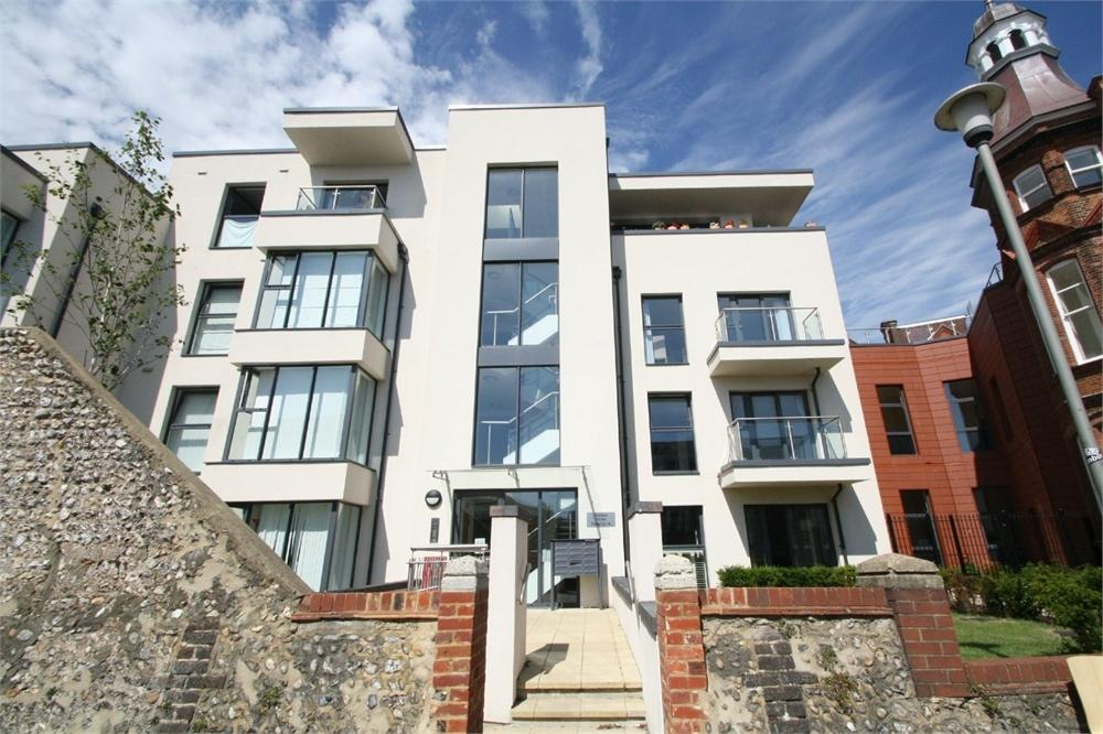 2 Bedrooms Flat for rent in Clifton Hill, Brighton, East Sussex