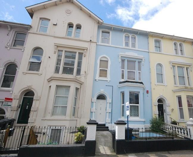 1 Bedroom Flat for sale in Orchard Gardens, Teignmouth