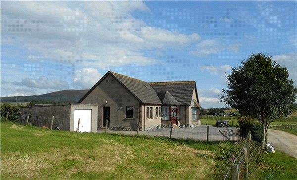3 Bedrooms Bungalow for sale in Edinvilla, Grange, Keith, Moray, AB55