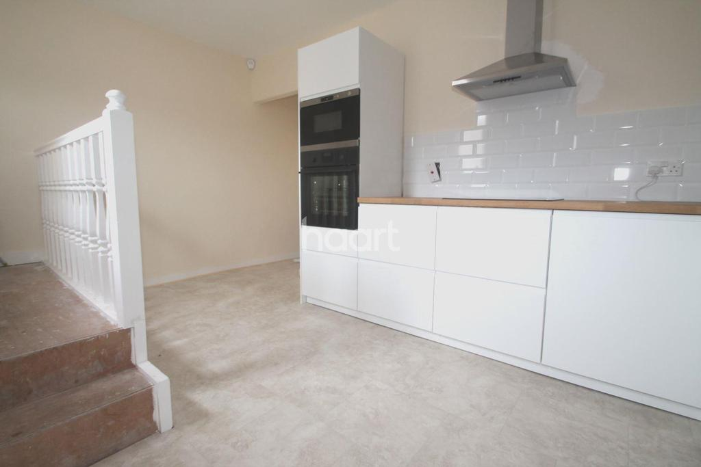 1 Bedroom Flat for sale in London Road South, Lowestoft