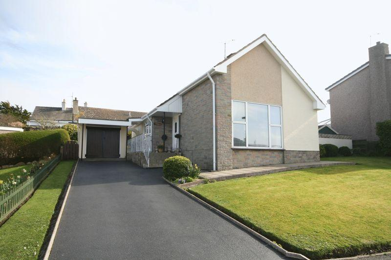 3 Bedrooms Detached Bungalow for sale in Holyhead, Anglesey
