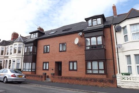 2 bedroom flat to rent - CATHAYS - Two Bedroom 2nd Floor flat in purpose built block close to Crwys Road and convenient for the UHW