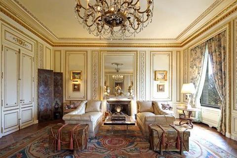 3 bedroom apartment  - Avenue Du Marechal-Maunoury, Paris, Ile De France