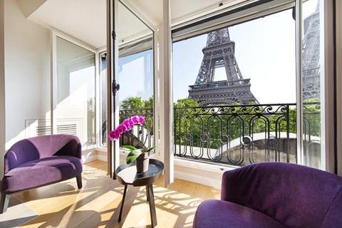 3 bedroom apartment  - Avenue de Suffren, Paris 07 Palais-Bourbon, Ile De France