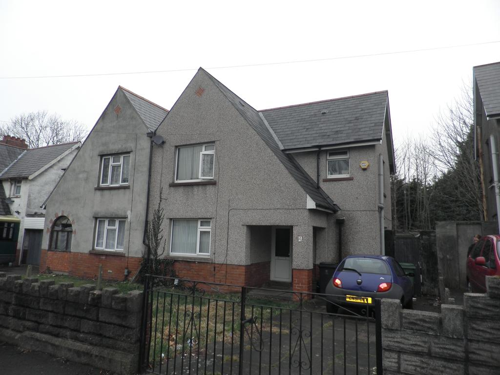 3 Bedrooms Semi Detached House for sale in Grand Avenue, Ely, Cardiff CF5