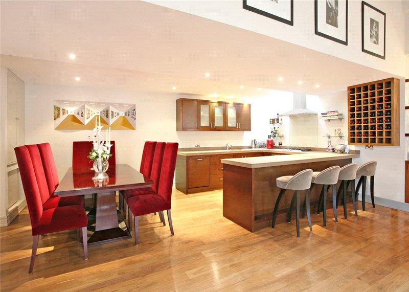 2 Bedrooms Flat for sale in Macklin Street, Covent Garden, London, WC2B