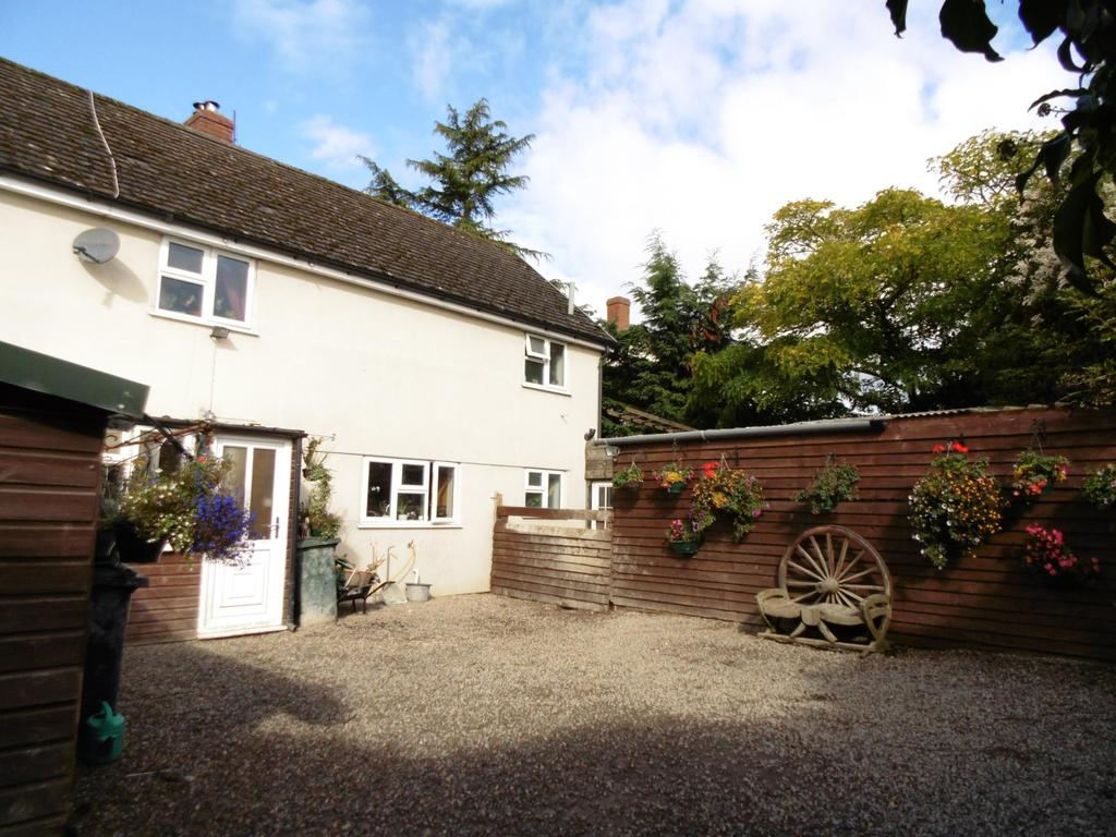 3 Bedrooms Terraced House for sale in Church Close, Lydbury North, Shropshire