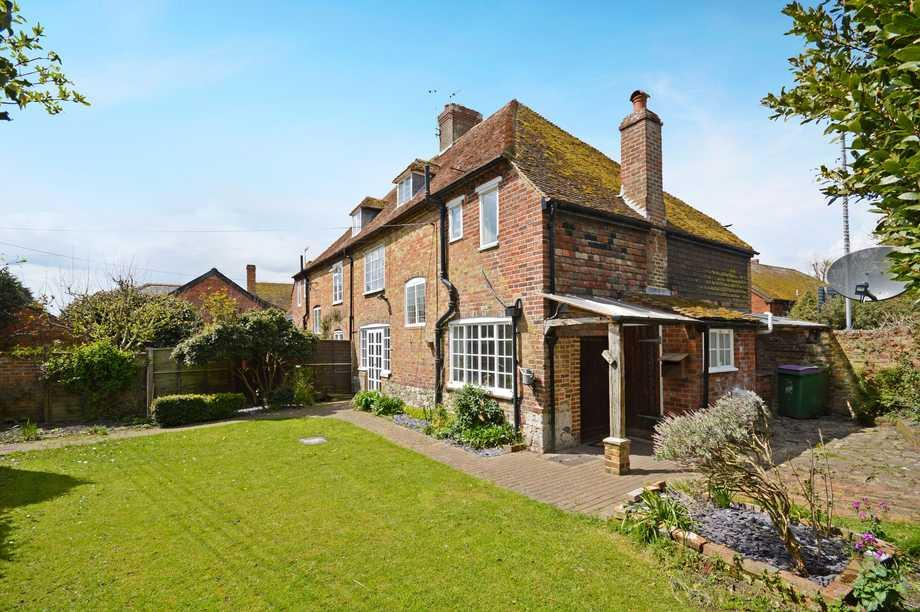4 Bedrooms Semi Detached House for sale in New Romney, TN28