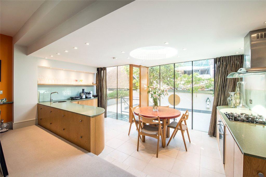 2 Bedrooms House for sale in Hillsleigh Road, Kensington, London