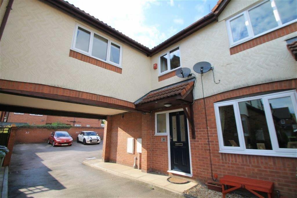 3 Bedrooms Mews House for sale in Braeside, Abenbury Fields, Wrexham